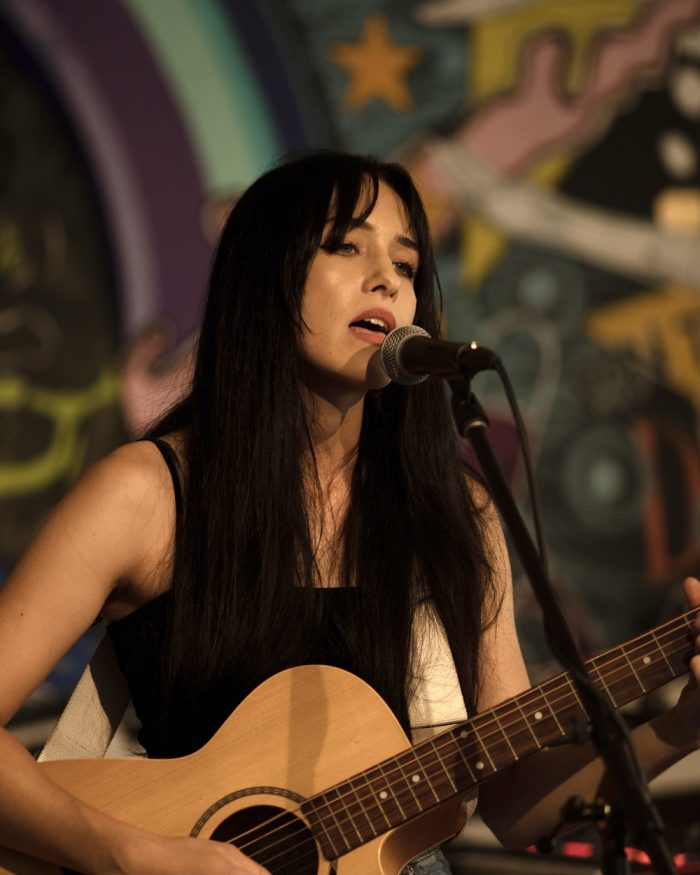 Amelia McNabb Acoustic Musician
