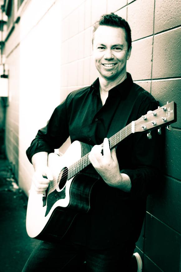 Jon Pickford Acoustic Solo