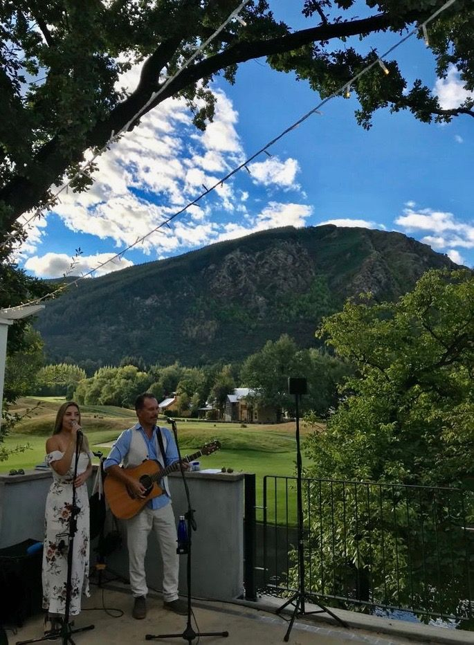 Shay & Pearly Queenstown Acoustic Duo