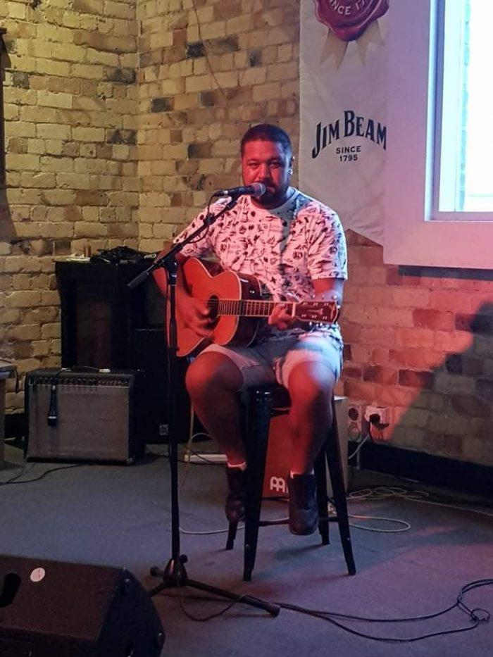 Cameron Mariu Whangarei Acoustic Artist