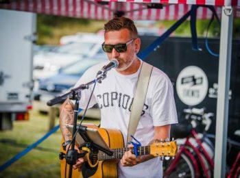 Damon Innes Acoustic Musician