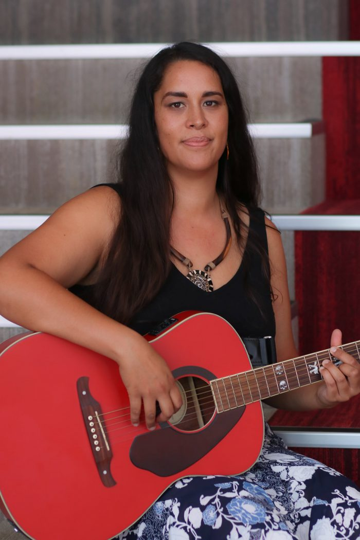 Lana Fia Acoustic Artist